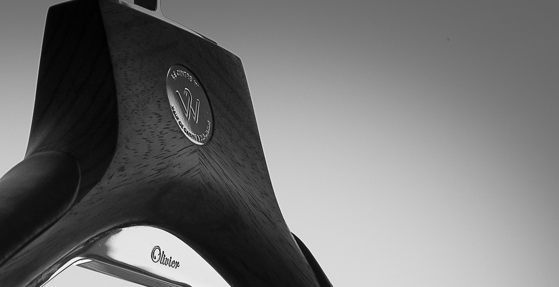 Le Cintre W - lecintreW - Bespoke hanger made of zebrano wood, chromed brass and black lambskin leather - bois de zebrine et laiton chromé accompagné d'une gravure